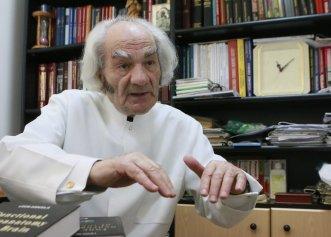 """Prof. Leon Dănăilă: """"În creier se intră de mână cu Dumnezeu"""". Povestea emoționantă a celebrului neurochirurg recunoscut la nivel mondial. Cum putem să îmbunătăţim performanţele creierului şi sănătatea lui?"""