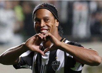 Ronaldinho se reprofilează! Ce carieră și-a ales fostul star al Barcelonei