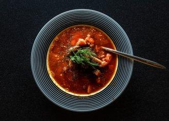 De ce este bine să eviți ciorba la prânz, dacă ții dietă?