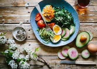 Dieta de 2.000 de calorii pe zi, care te scapă de kilograme în plus și hipertensiune. Cele 10 reguli ale DASH