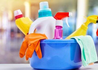 Ratele bolii Parkinson explodează. O substanță chimică obișnuită poate fi de vină! Cu toții folosim acest produs la curățenie!
