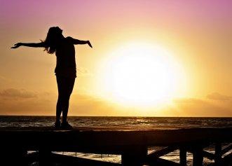 Controlarea gândurilor negative. Cum îți menții echilibrul într-o situație dificilă?