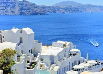Vrei să călătorești în Grecia? Iată ultimele avertizări emise de autorități! Ce riscă turiștii?