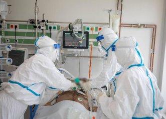 """Medic ATI, mesaj pentru anti-vacciniști: """"Cine vede un bolnav COVID în stare gravă, nu-i mai trece prin cap să nu se vaccineze"""". Cum arată insuficiența respiratorie?"""