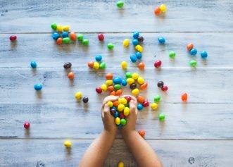 STUDIU: 65% dintre copii consumă dulciuri zilnic. Tot mai puțini copii au o alimentație sănătoasă, iar efectele pe termen lung sunt devastatoare