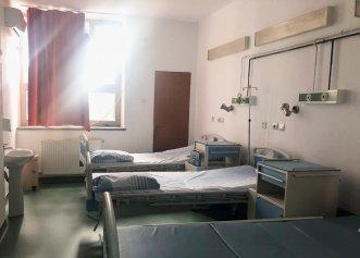 Nu mai există paturi libere la terapie intensivă, în București. În restul țării mai sunt disponibile numai 10. Dintre pacienții internați, 267 sunt minori