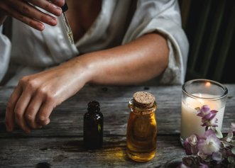 Dr. William McGarey: Uleiul de ricin combinat cu bicarbonatul de sodiu te ajută să te vindeci de 25 de boli
