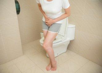 Ce cauzează durerea abdominală și urinarea dureroasă?