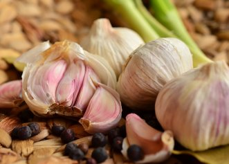 Dietă de slăbire și dezintoxicare cu usturoi și orez crud