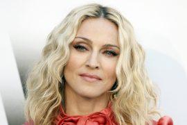Cu cine a fost surprinsă Madonna!