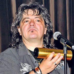 Leo Iorga a murit. Legendarul vocalist al formației Compact s-a stins pe patul de spital