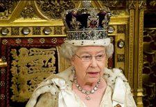 Regina Marii Britanii si DECIZIA care a socat intreaga lume! NU s-a mai respectat protocolul Casei Regale. Sa fie vorba de probleme de sanatate?!