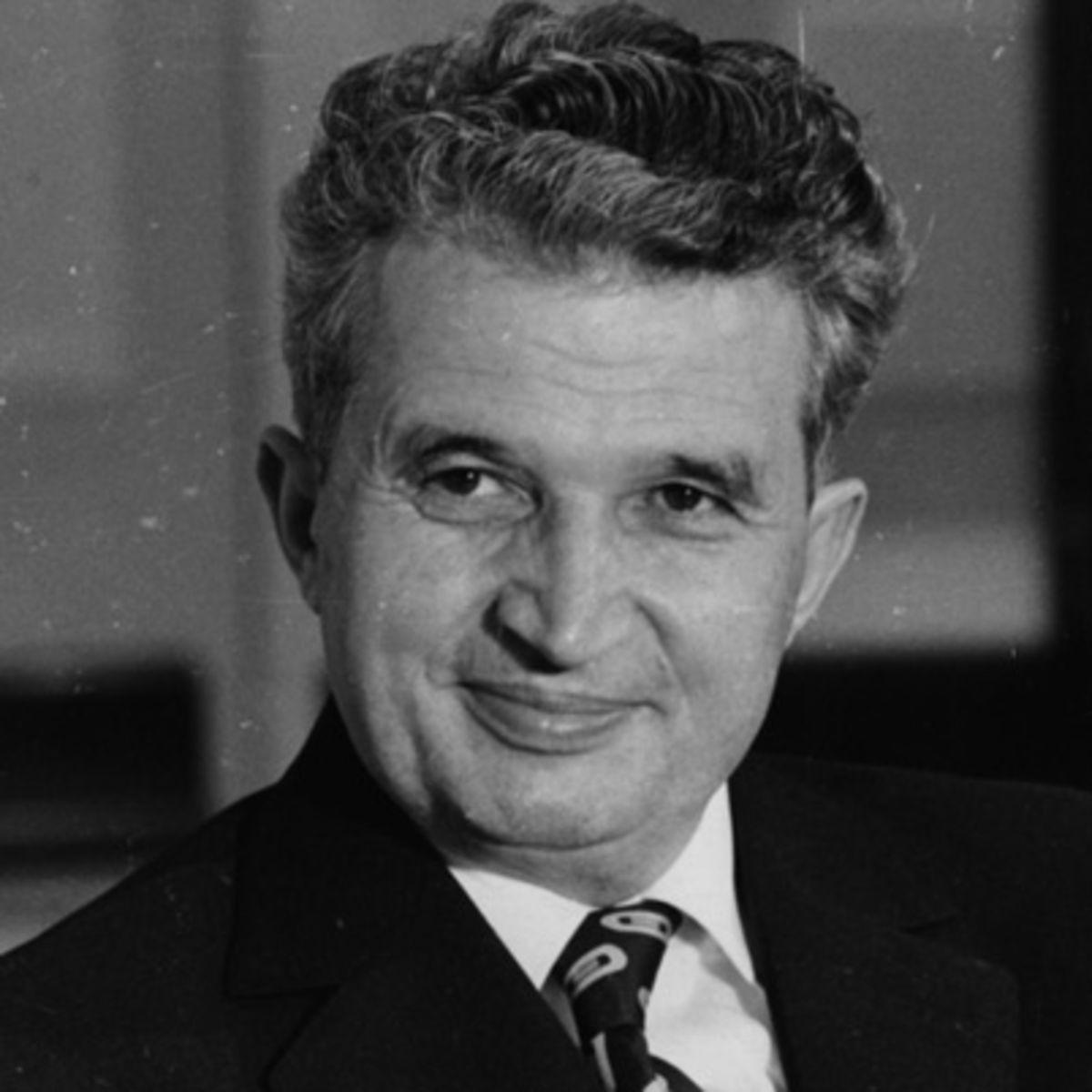 Din culisele istoriei! Putini stiu CINE este femeia care i-a pus inima pe jar lui Nicolae Ceausescu. Era maritata si acest lucru nu ii dadea pace dictatorului