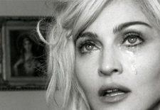 SOCANT! Showbizul mondial este zguduit din temelii. Madonna, ACUZATA de HARTUIRE SEXUALA – VIDEO