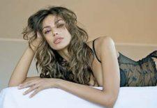 WOW! Cand o sa vezi noile poze cu Madalina Ghenea si iubitul ei o sa ai un SOC! Uita-te atent!