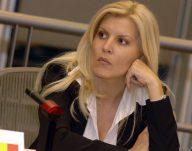 """Elena Udrea il desfiinteaza pe Victor Ponta: """"Ciocu' mic cand v …"""