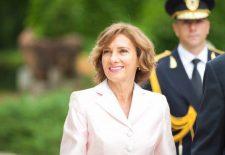 Carmen Iohannis, apariție RĂVĂȘITOARE la Paris! Ținuta ei a atras TOATE PRIVIRILE / Foto în articol