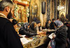 Aceasta este cea mai PUTERNICĂ RUGĂCIUNE către Sfânta Parascheva. Dacă te rogi din inimă, face MINUNI şi orice DORINŢĂ devine REALITATE!
