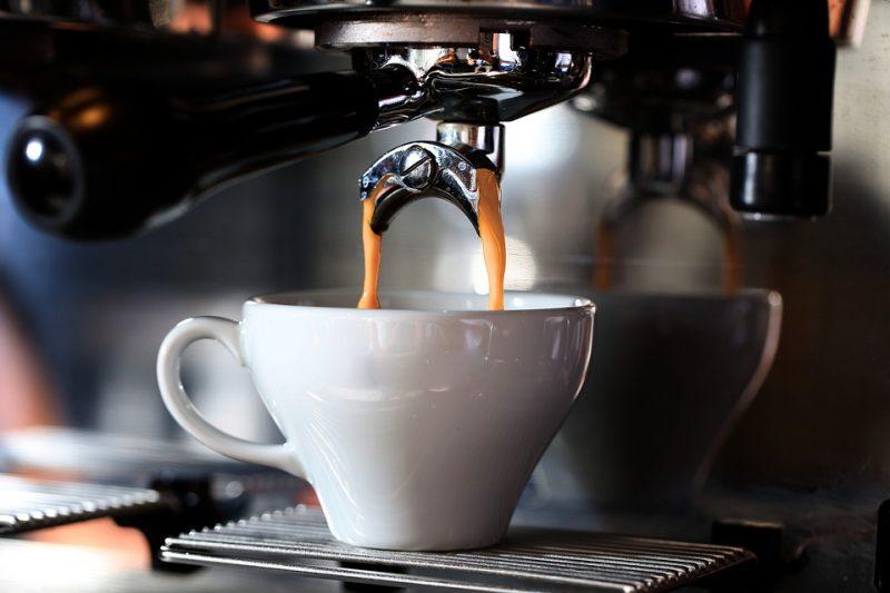 Consumi cafea?