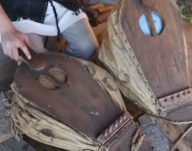 Arta fierăritului este prezentă în tradițiile poporului rom …