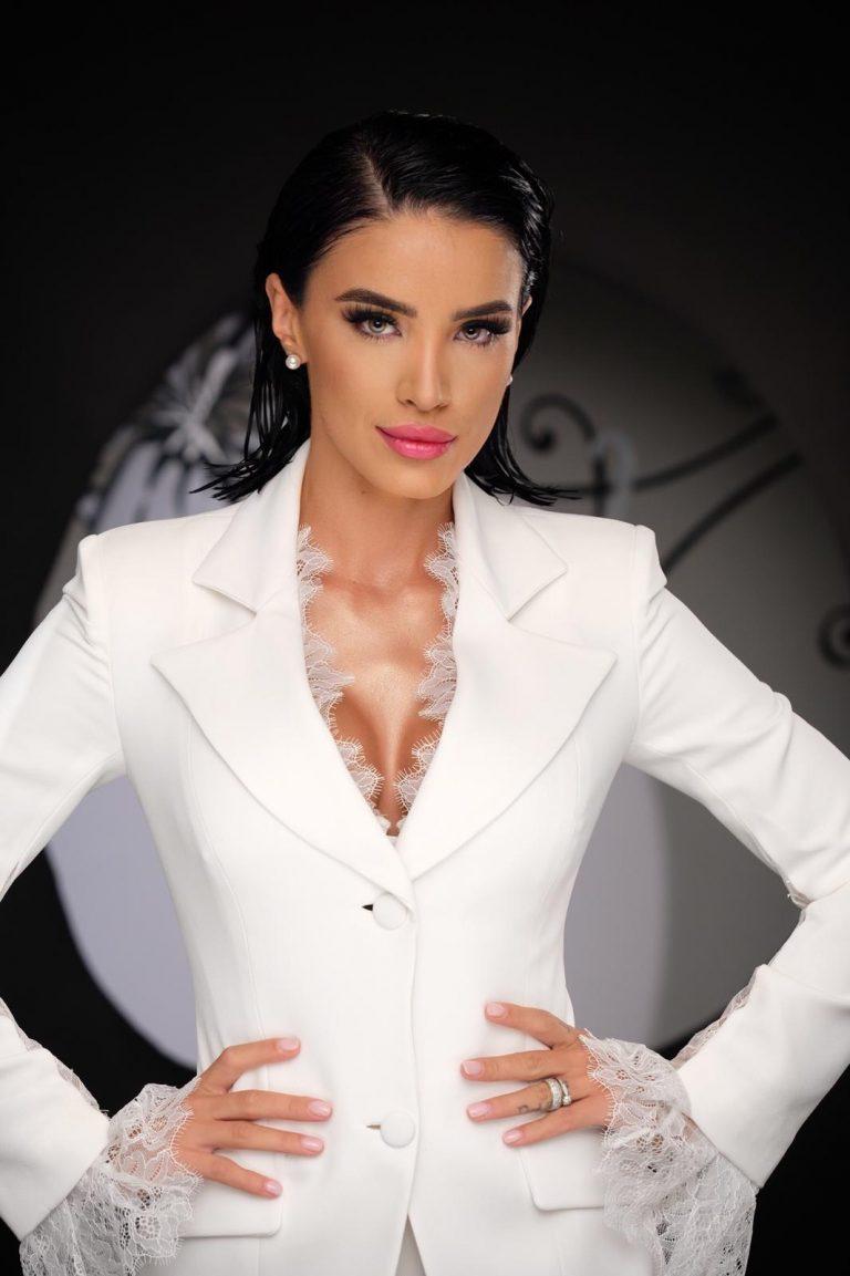 Excepțional! Adelina Pestrițu, nominalizată la premiile internationale E! People Choice Awards 2019 din America