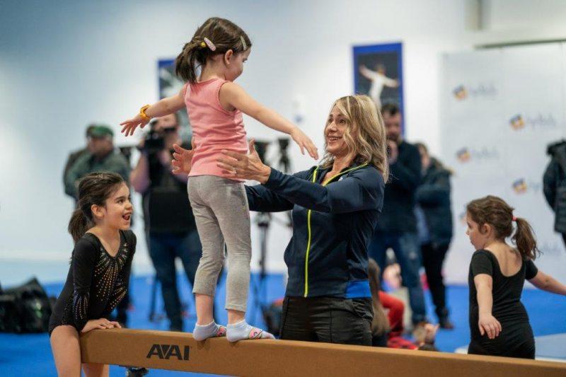 """Nadia Comăneci: """"Gimnastica îți asigură temelia cu care poți construi performanța"""""""