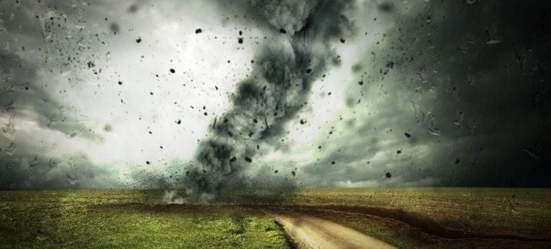 Furtuna, care a măturat Europa, se îndreaptă rapid către România.