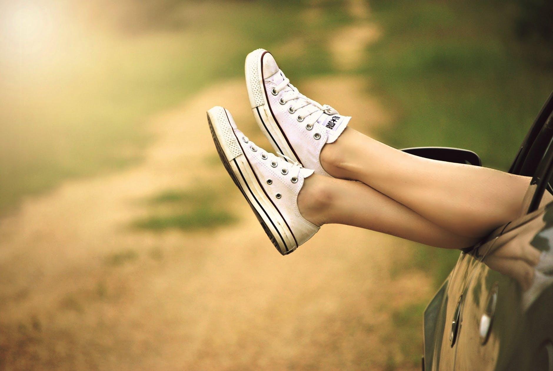 varicoză leaches pe picioarele punctelor femeile varicoase